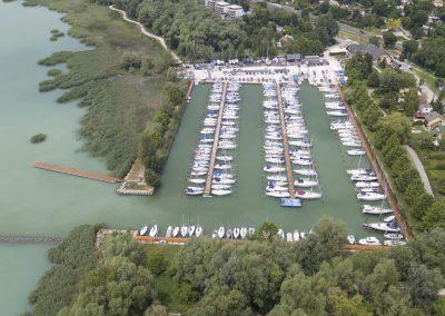 Kikötői életképek